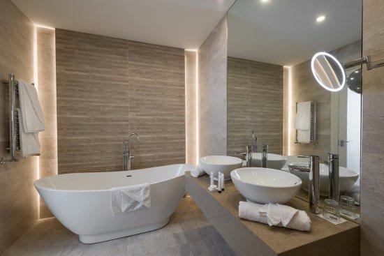Breaffy House Resort: Luxury Suite
