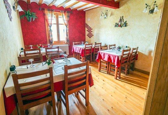 Sala Restaurante Cuatro Cantones