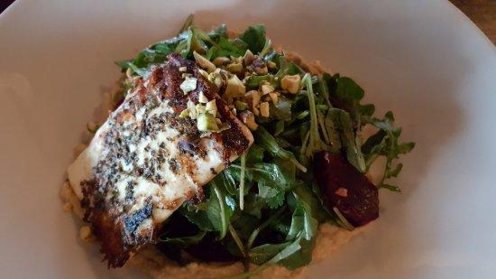 Kennebunks, ME: barbabietola e feta salad
