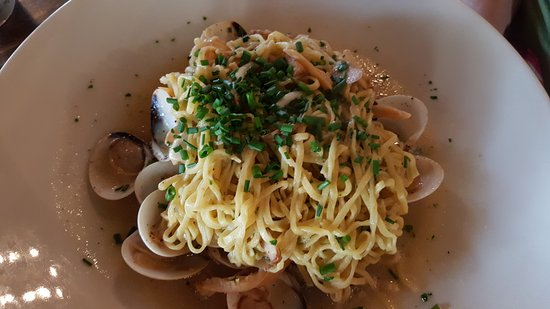 Kennebunks, ME: taglierini all vongole