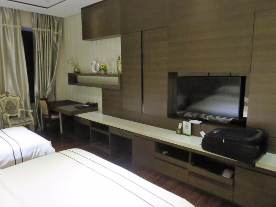 Yicheng Baoli Zhonghui Square International Apartment: Standard double room #1413