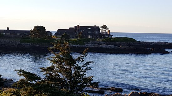 Kennebunkport, ME: Compound at dawn