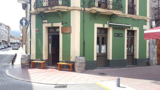 Pola de Laviana, Espanha: TA_IMG_20170708_122453_large.jpg