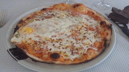 Canteleu, Francia: pizza paysanne