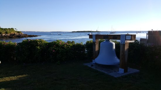Wood Island Lighthouse: lighthouse bell