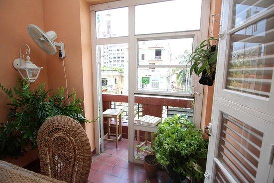 Vista Del Closet Con Gavetero Y Caja Fuerte Picture Of