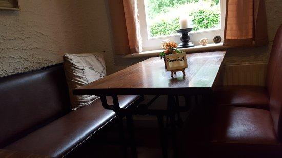 Spiekeroog, Duitsland: Tisch mit Blick in den Garten