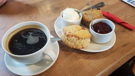 Princetown, UK: Cream Tea...but with coffee.