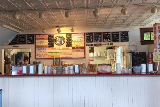 Short Lane Ice Cream: Counter where you order