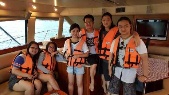 Phuket Fishing Charters : Inside Reel Blue
