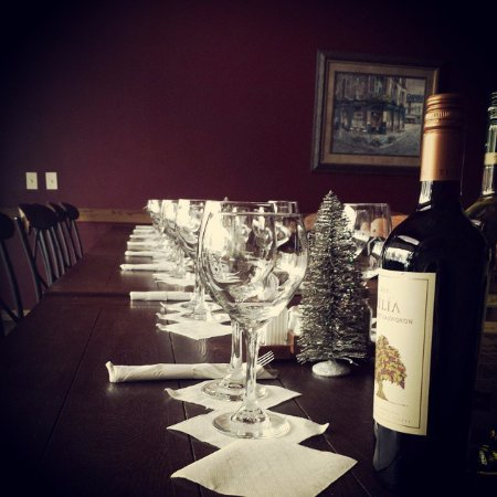 Excelsior Springs, MO: Christmas wine dinner at Ventana