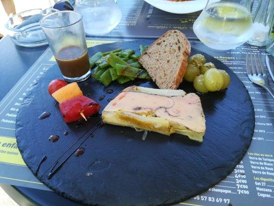 Ambares-et-Lagrave, Francia: IMG_20170618_123145_large.jpg