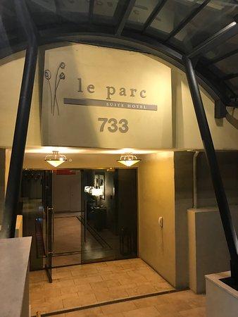 لو بارك سويت هوتل: Le Parc Suite Hotel