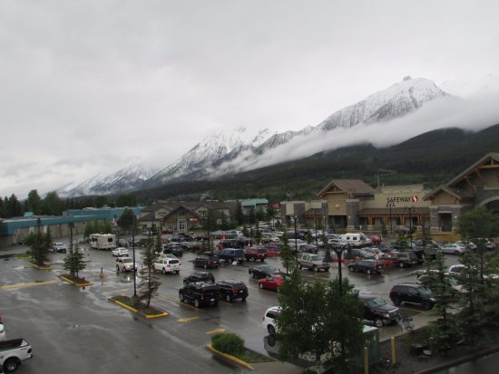 Canmore Crossing: Grocery store next to condo