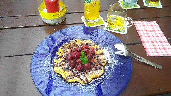 Oberwolfach, Tyskland: Very tasty waffles! Good restaurant!!👍