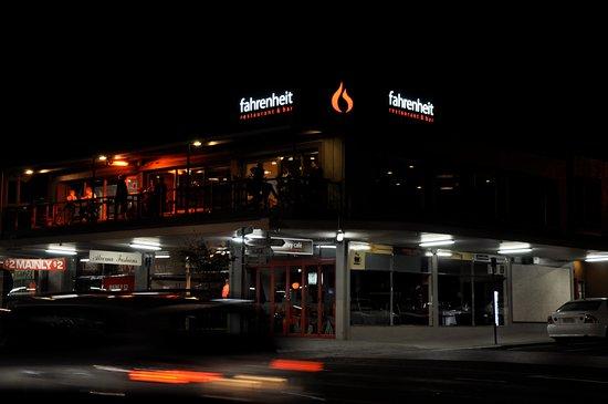 Te Awamutu, New Zealand: 'The Heit' at night...