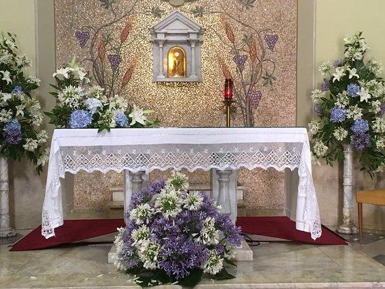 Ospedaletti, Italie : Altare della chiesa dii San Giovanni