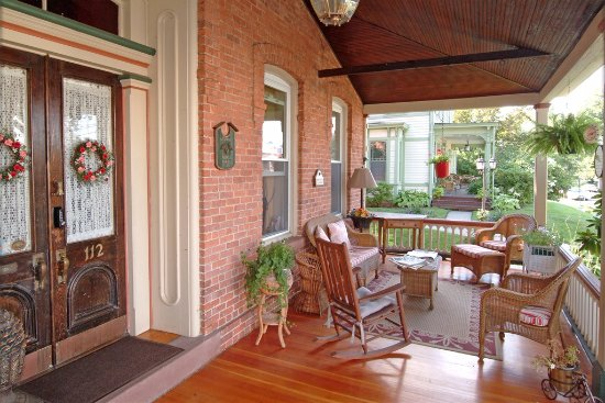 Bricktown Inn: Our Front Porch