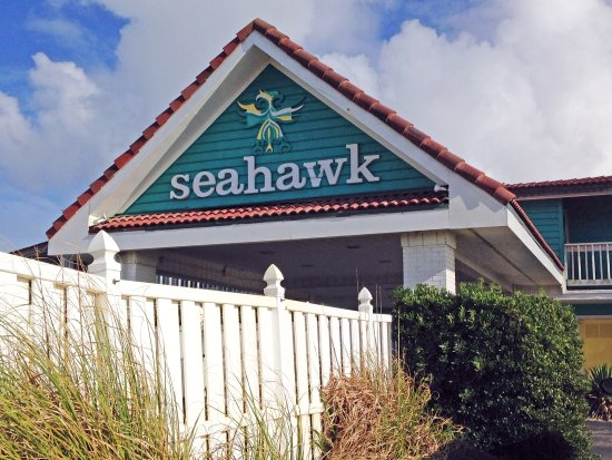 Seahawk Inn & Villas: Welcoming entry