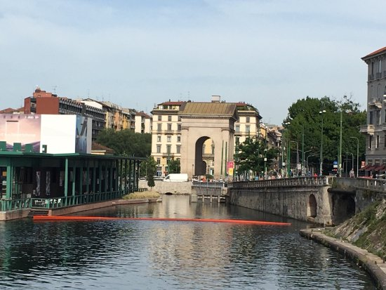 how to get to navigli district milan