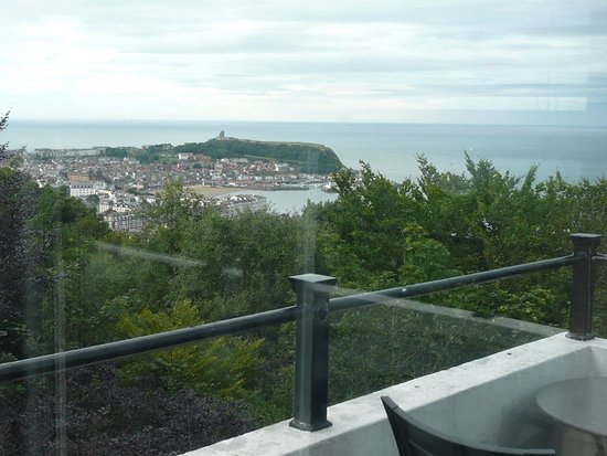 Olivers on the Mount Cafe and Bar: Beautiful Views od Scarborough