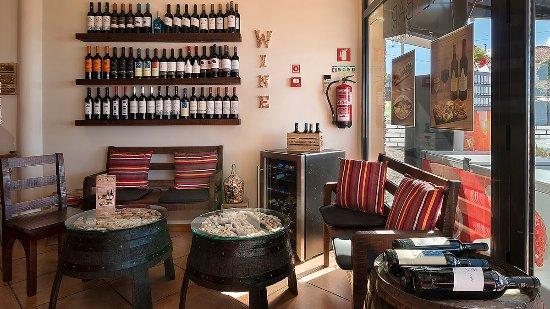 Prazeres, Portugal: Wine & Tapas