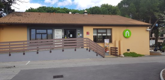 Campanile Perpignan Sud : Accueil de l'hotel