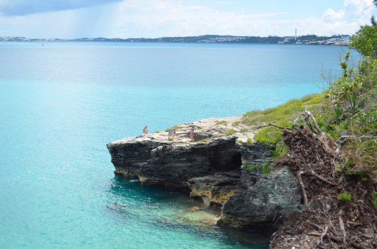 Hamilton, Bermudas: Cliff diving spot - ranging from 20 ft - 40 ft heights