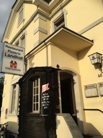Reinach, Switzerland: Restaurant Pizzeria Landhof