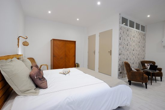 MAISON D\'HOTES REMOISE - Updated 2019 Prices, Guesthouse Reviews ...