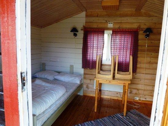 Troms, Noruega: Hütte, Schlafbereich und Essplatz