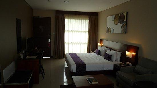 Amadea Resort & Villas: Bett und TV