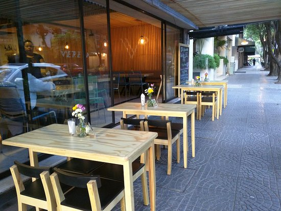 Suites Del Angel: cafe with outside seating