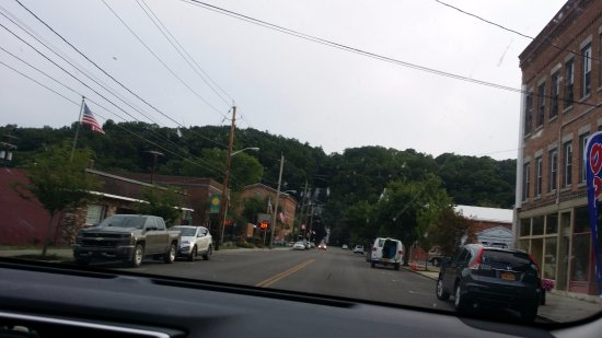 Corning, Estado de Nueva York: on the way to Emerald springs apartments