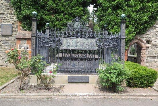 Robert Owen Memorial