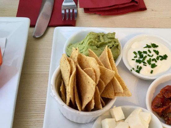 Great Bricett, UK: Vegan extras: Dairy-free feta and mayonnaise, sun dried tomatoes, guacamole and tortilla chips.