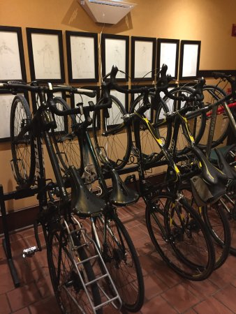 Perry, IA: Indoor bike rack!