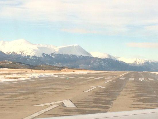 Aeropuerto de ushuaia provincia de tierra del fuego for Vol interieur argentine