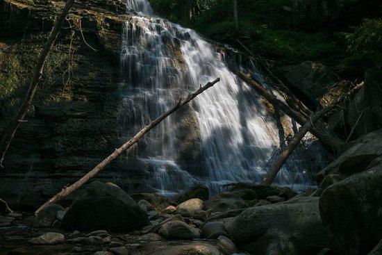 Sagamore Hills, OH: at the base of the falls