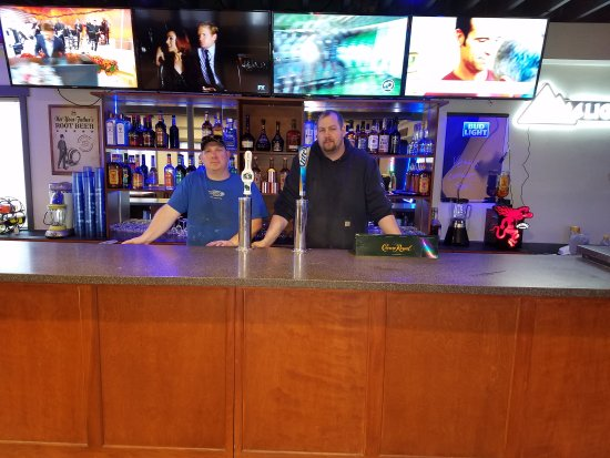 Edgerton, WI: Yetti's Bar & Grill