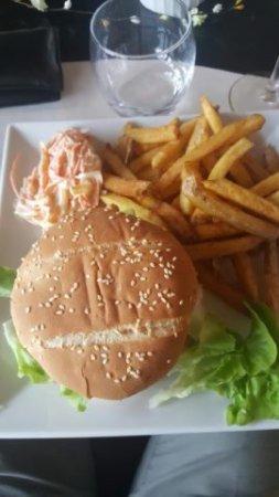 La Boissiere-Ecole, Francia: Le Bory Burger en plat principal