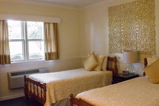 Alexandria, PA: Twin bedroom