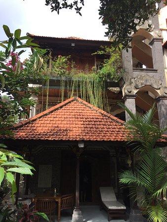 Sania's House Bungalows: Beautifully designed