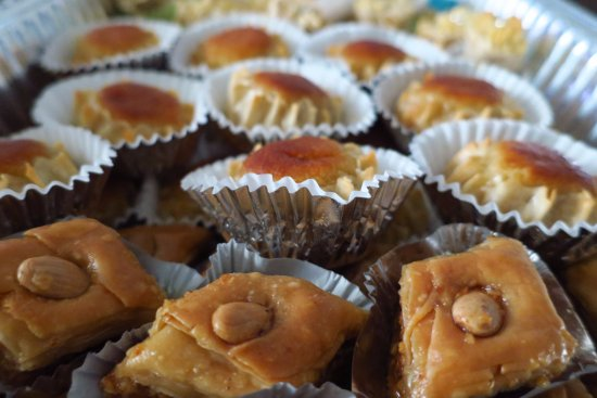 แคมป์เบลล์, แคลิฟอร์เนีย: Baklawa and Dzeryat [Almond Based and Gluten Free Sweets]