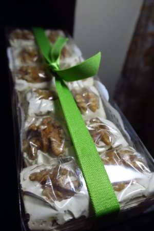 Campbell, Californie : Jawzia from Constantine [Almond Based Gluten Free Sweets]