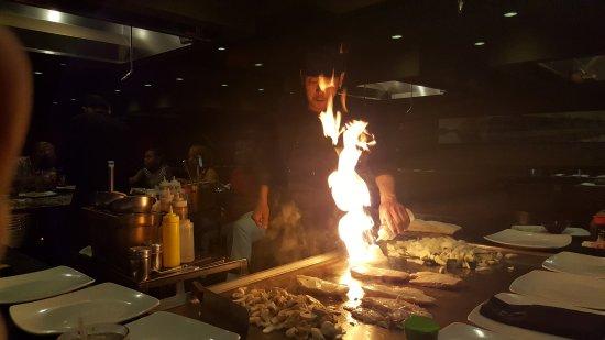 Hibachi Japan Steak House: The show
