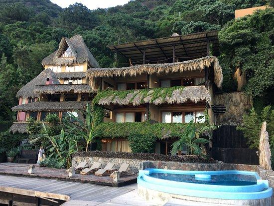 Laguna Lodge Eco-Resort & Nature Reserve: EXTERIOR OF THE HOTEL