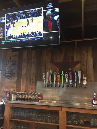 Mansfield, TX: Bar with nice tv and COLDEST BEER EVER