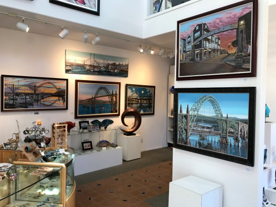 Newport's Historic Bayfront: Gallery featuring Newport Artist Andrew Palmer's iconic bay bridge paintings.