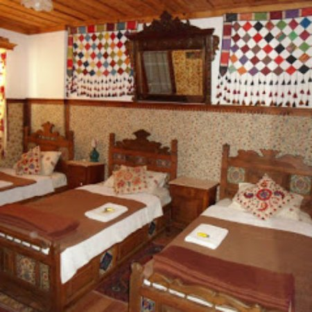 Homeros Pension & Guesthouse: Triple room with bathroom & Ac